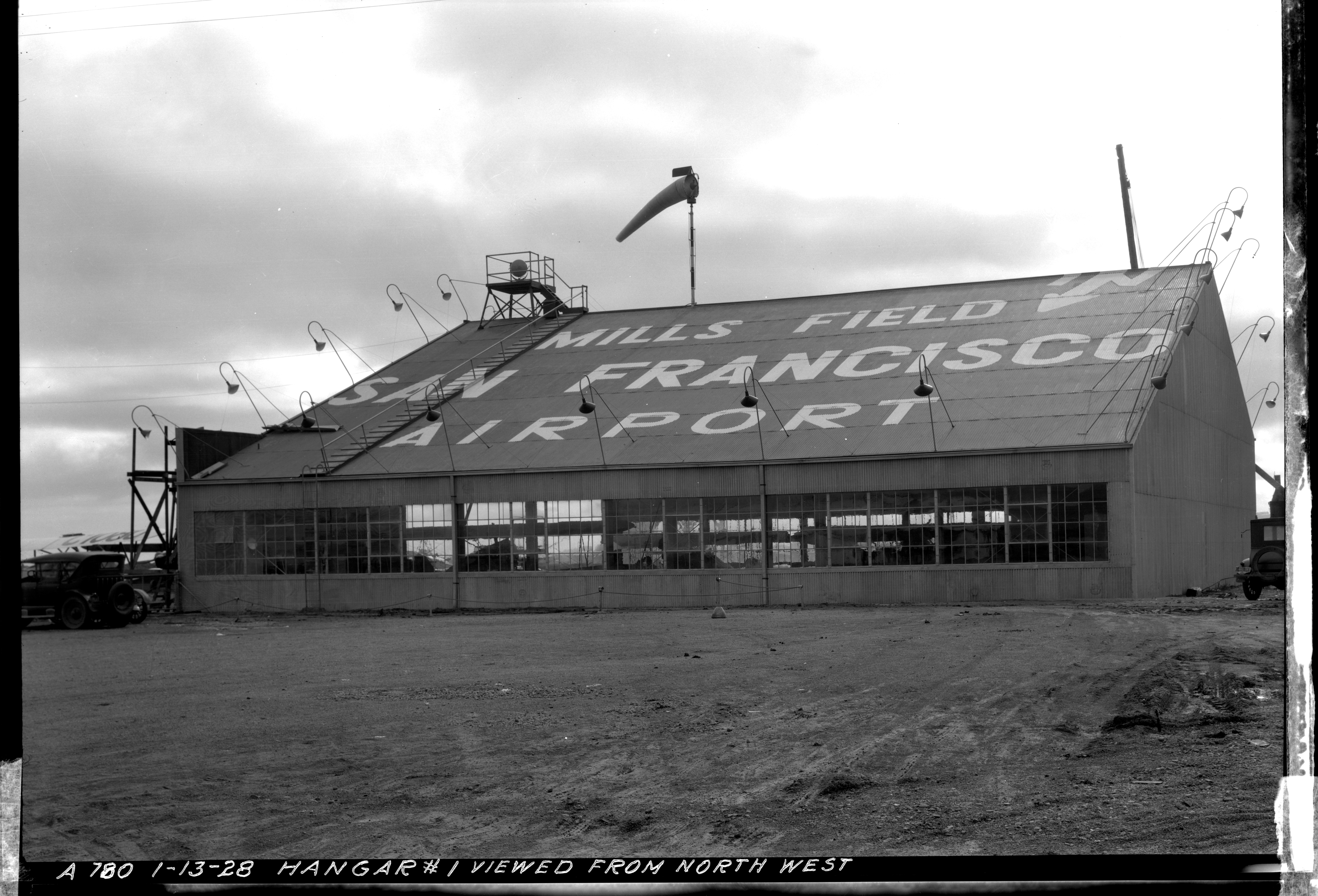 negative: Mills Field Municipal Airport of San Francisco, Hangar No. 1